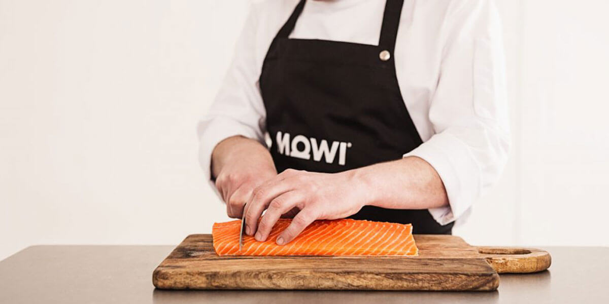 Cutting salmon at MOWI AS